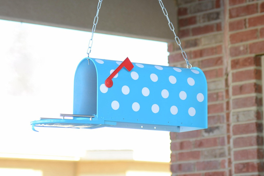 How To Paint a Mailbox - I've Made Pokie Dotted Mini Bird Houses Designs on